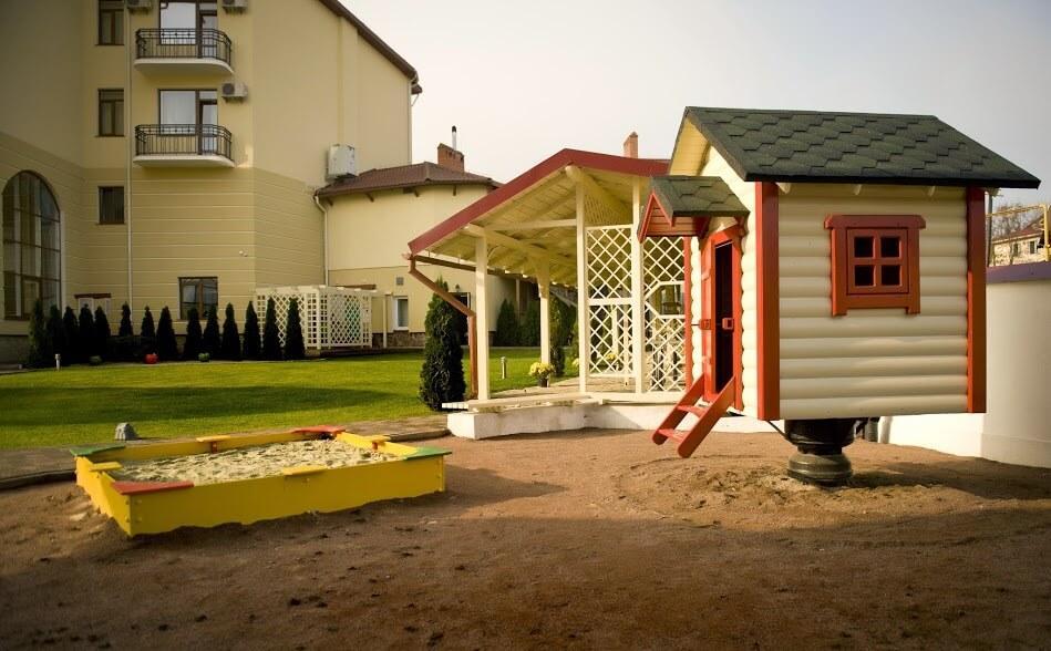 Отеле ТуСтань - детская площадка