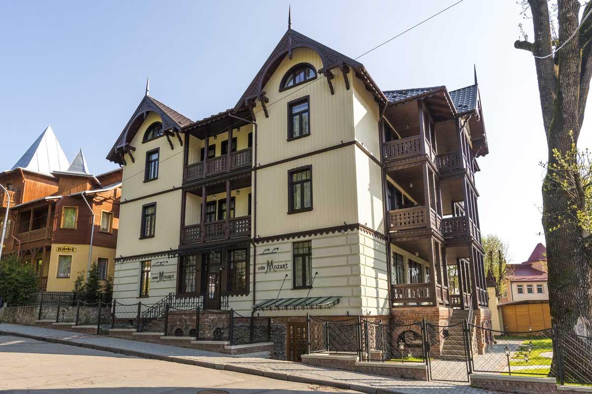 Фасад Виллы Моцарт