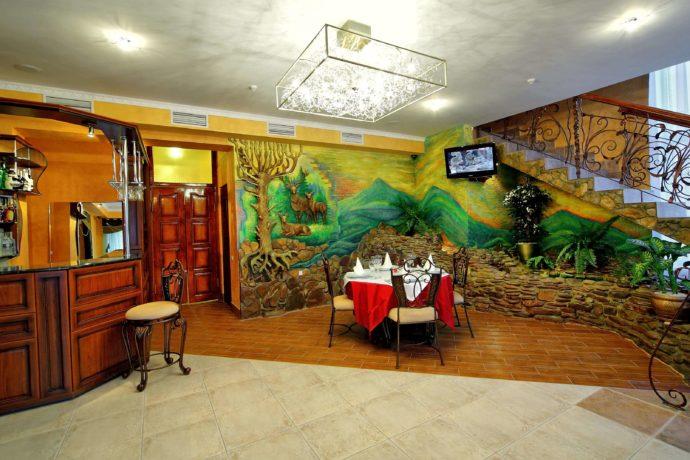 Лобби бар в отеле Эдем, Сходница