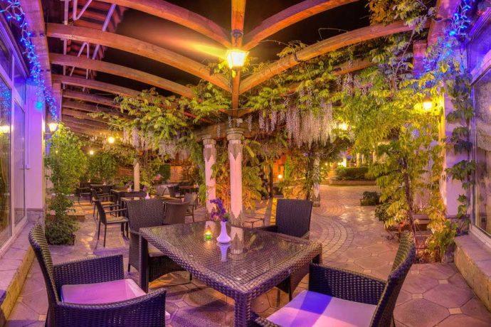 Ресторан в готелі Дворик Лева, Трускавець