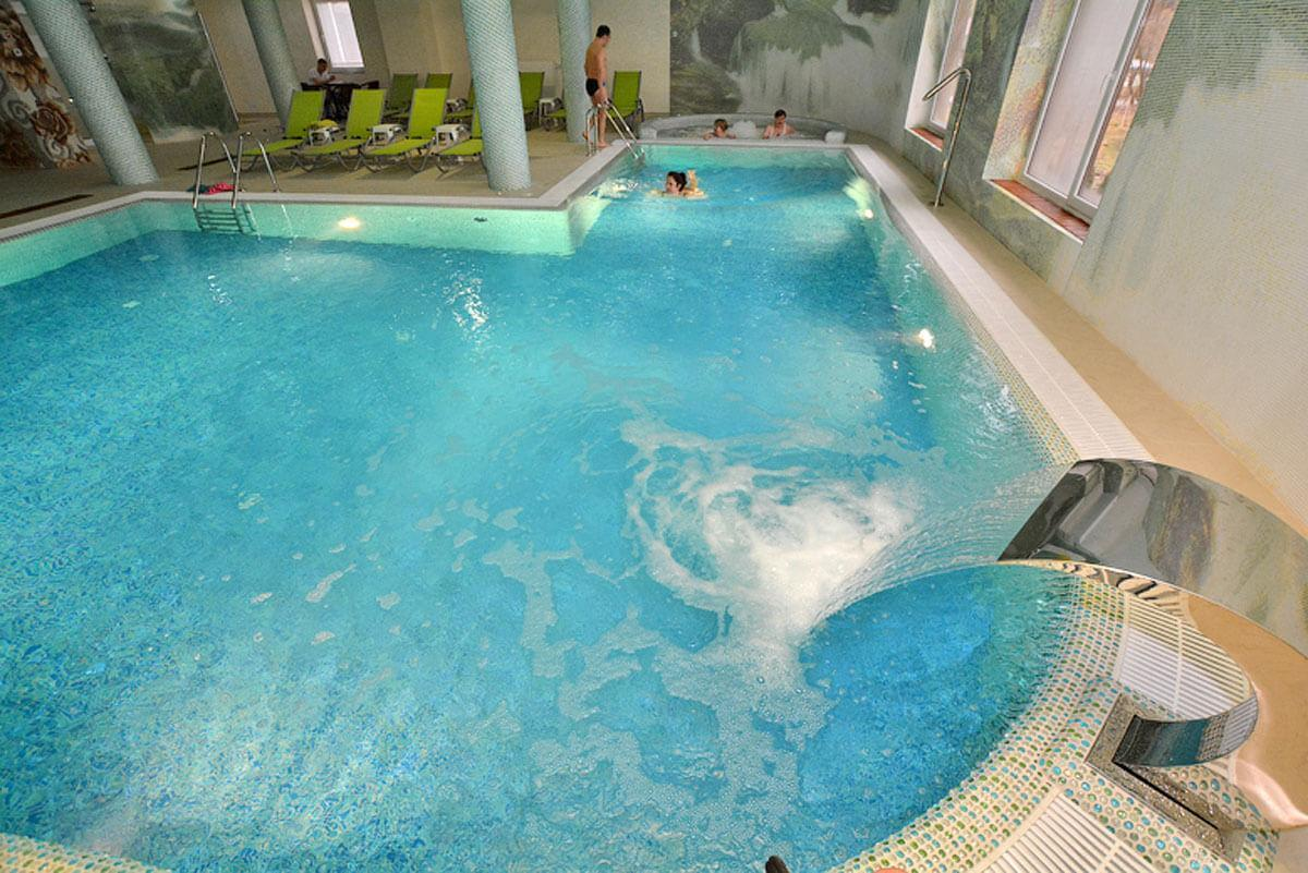 Лечебно-оздоровительный комплекс ДиАнна, Сходница - бассейн