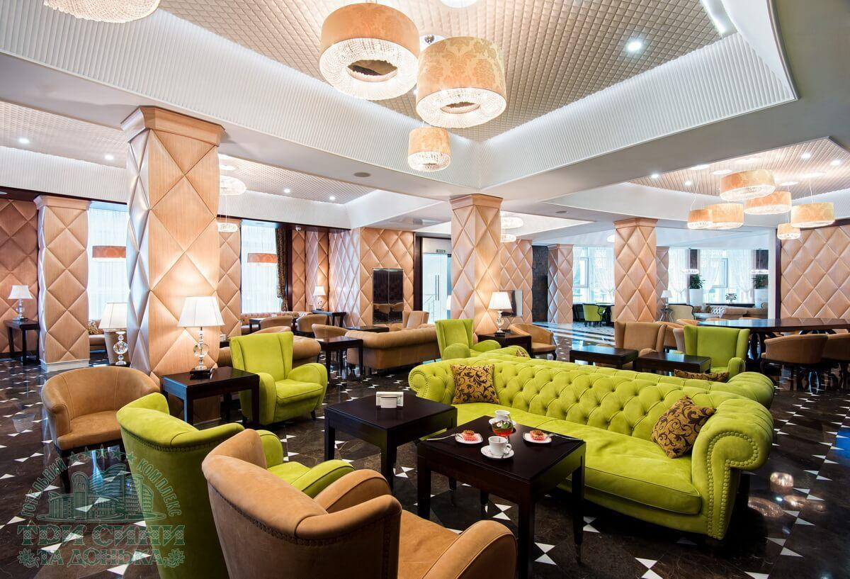 Готельний комплекс Три Сини і Донька 5 * - лобі бар