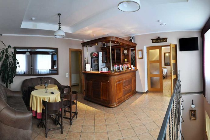 Ресторан в готелі Маріот