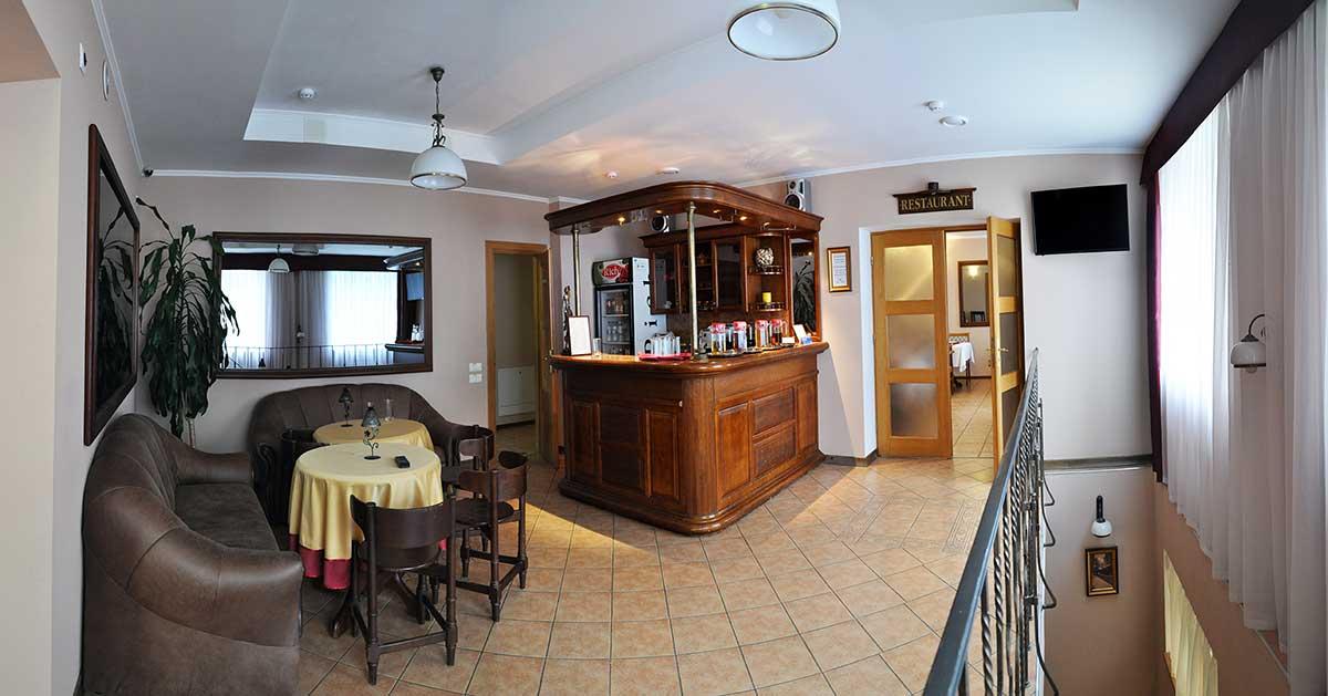 Ресторан в отеле Мариот