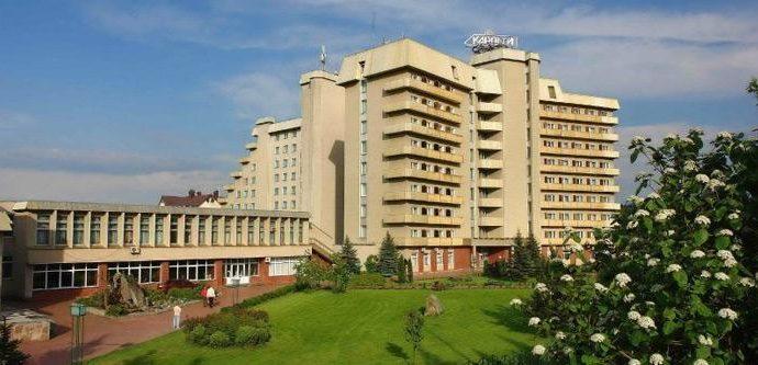 Санаторій Карпати, Трускавець - фасад санаторія