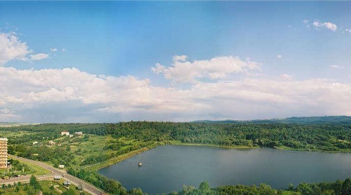 Санаторій Карпати - вид на озеро